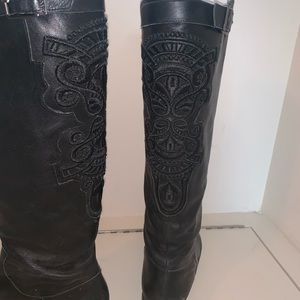 Black leather riding boot with embroidery